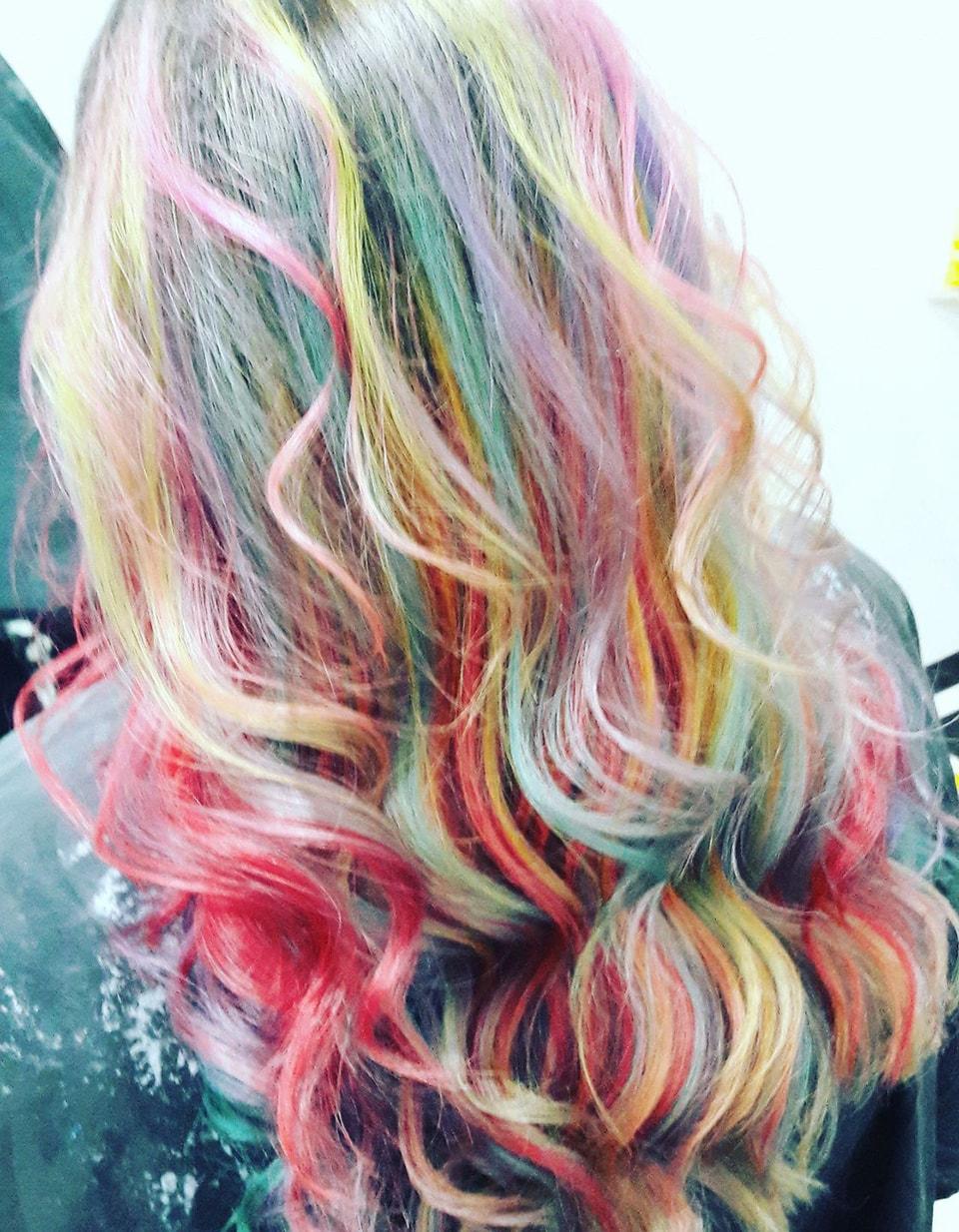 Frau Schneider Stylist Vienna - Haircut - Dyed Hair (13)