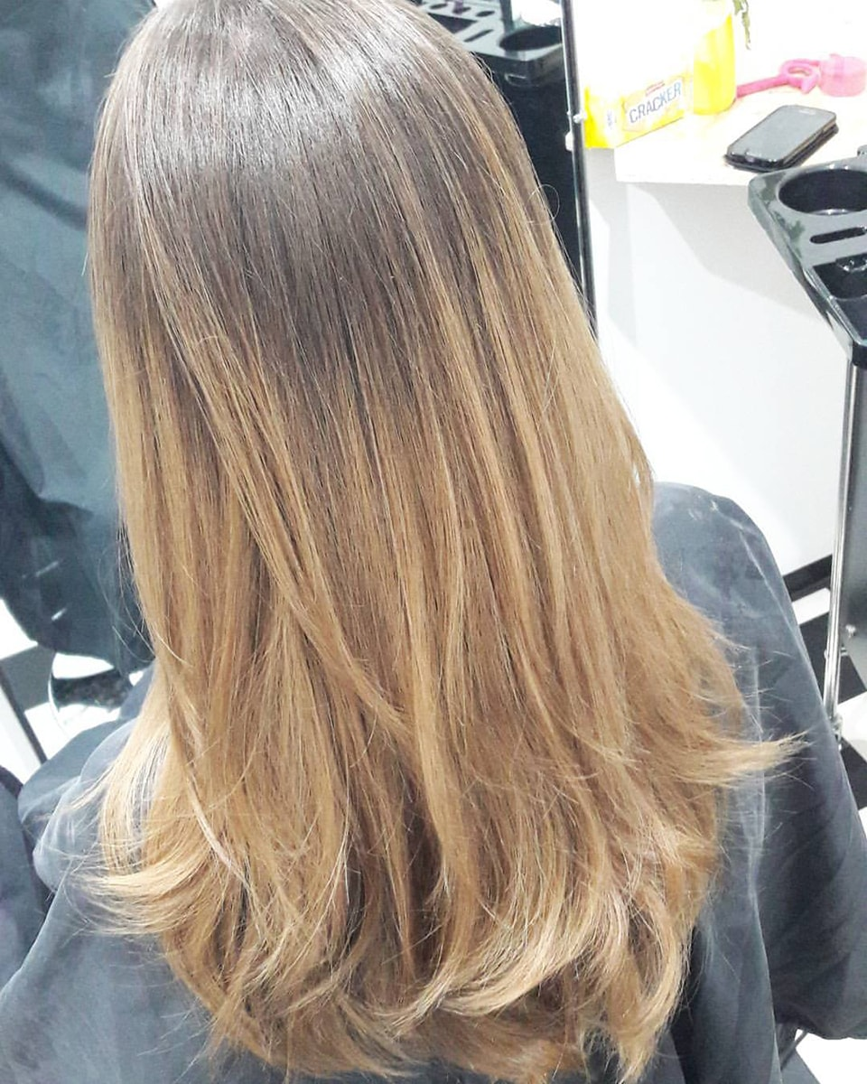 Frau Schneider Stylist Vienna - Haircut - Dyed Hair (17)